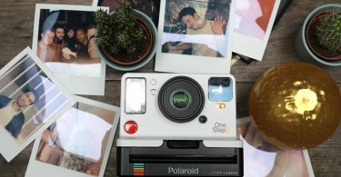 Polaroid Originals 9002 One Step 2 image
